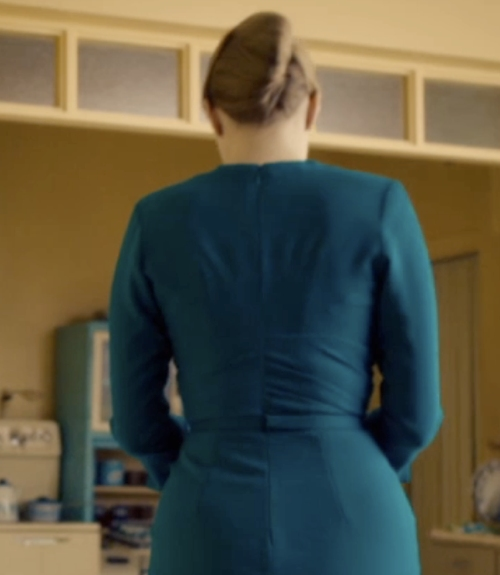 backofbluedress